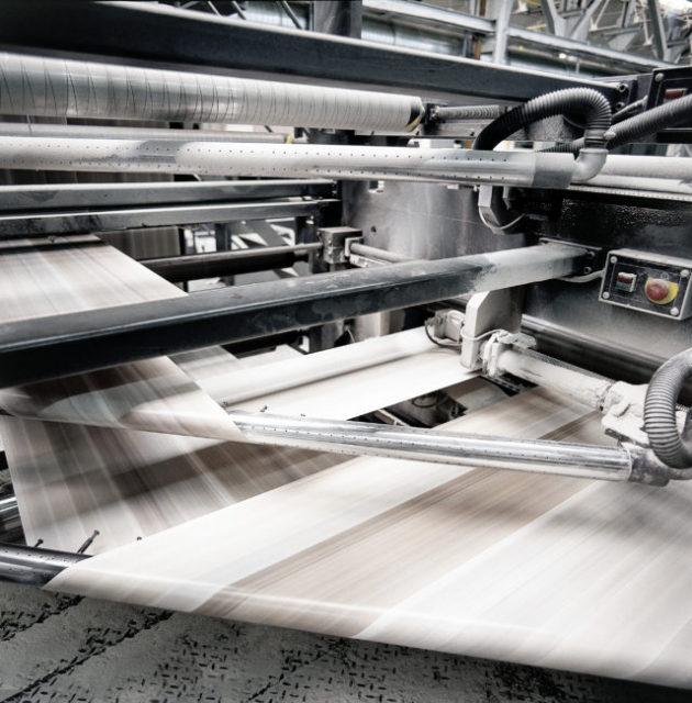 Een drukmachine voor offset.